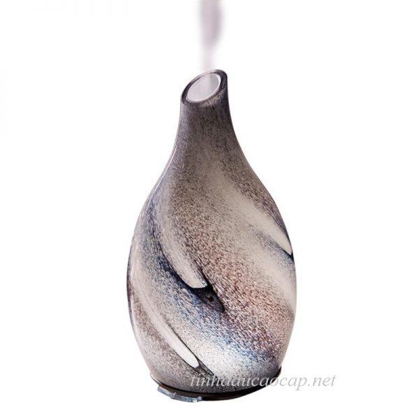 Mý khuếch tán tinh dầu mang hương thơm ra khắp không gian